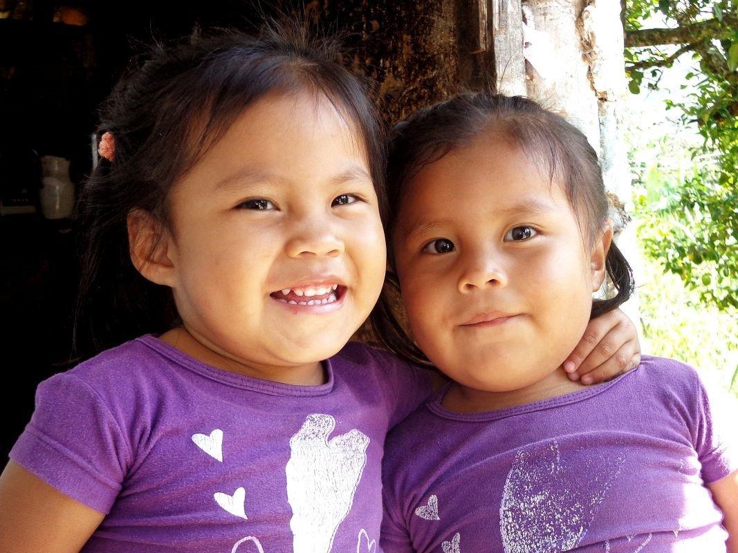 Tweeling zusjes